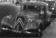 Photo of a taxi in 1930s Paris