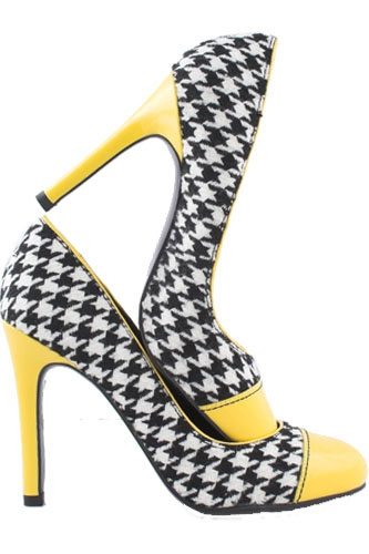 Taxi-themed high heel shoes are yellow with a checker pattern; link to Pinterest.com